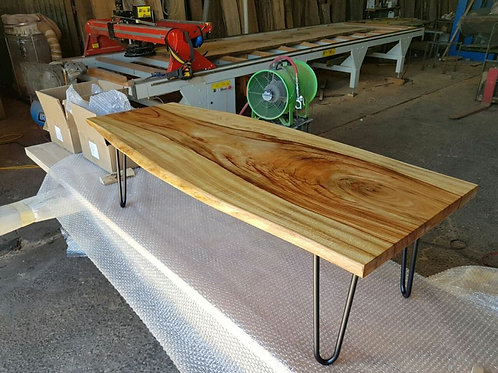 Camphor Coffee table with pin legs
