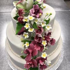 Elegance with Flowers Wedding Cake