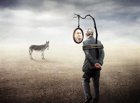 I narcisisti soffrono? Il dolore emotivo dietro alla maschera
