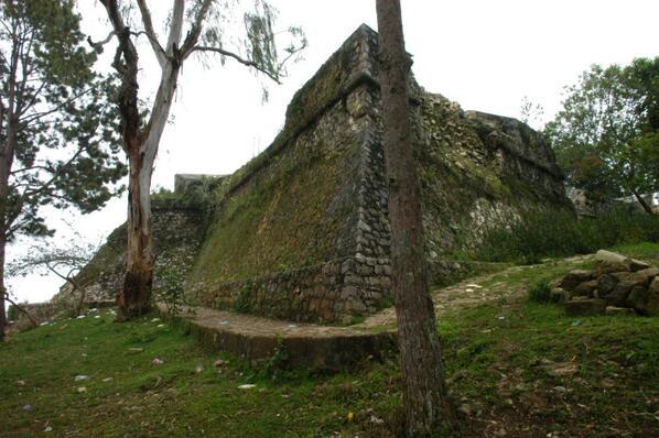 Fort Jacques et Fort Alexandre