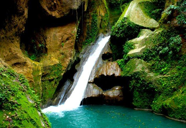 Bassin Bleu, Jacmel Haiti.