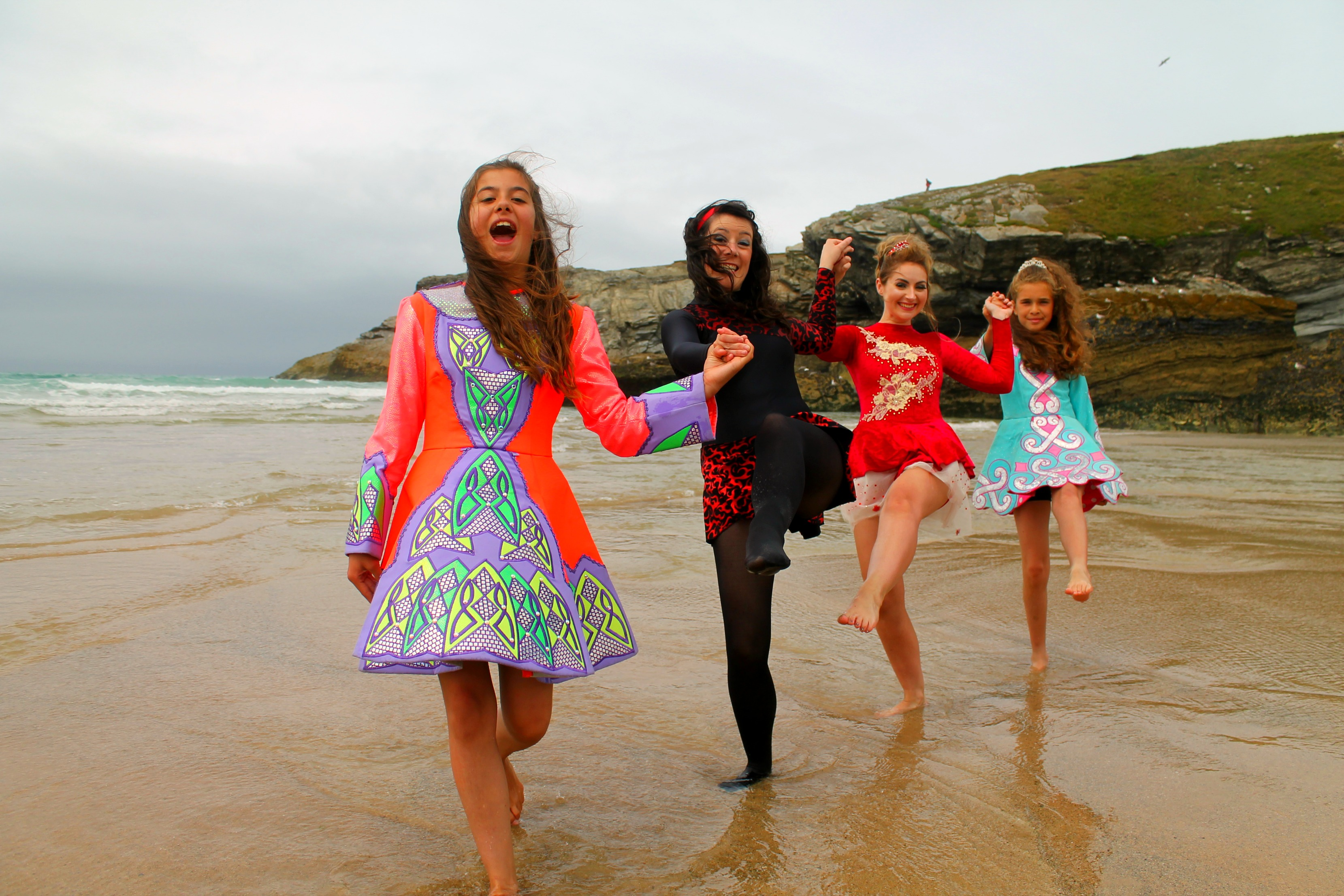 Porth Beach dancers