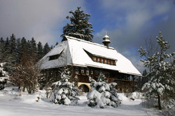 Grafenhausen_Winter___Museum_Hüsli_tief_verschneit_4.JPG