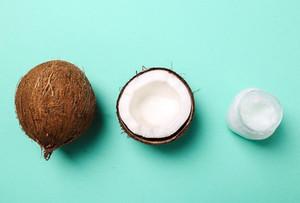 Kokosriekstu eļļa - zinātne, ieguvumi un lietošanas veidi