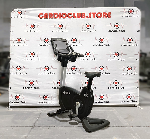 Life Fitness 95C Discover SE Upright Bike