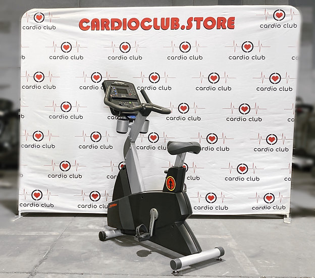 Life Fitness CLSC Upright Bike