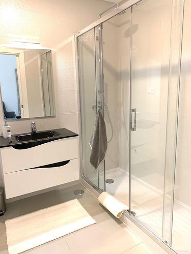 salle_bain_wc_toilette_eau_vasque_miroir