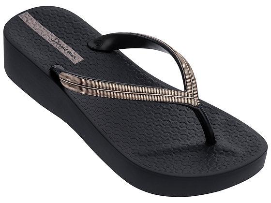 Ipanema wedge black flip-flop