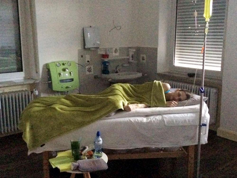 Alicia in haar privé behandelkamer