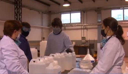 Producen en la Universidad 1200 litros de alcohol sanitizante
