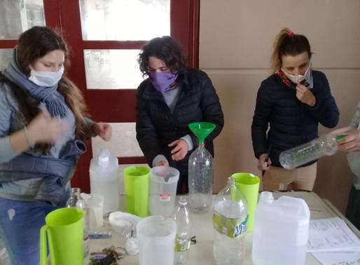 La UNRC entregó kits sanitizantes a 500 familias