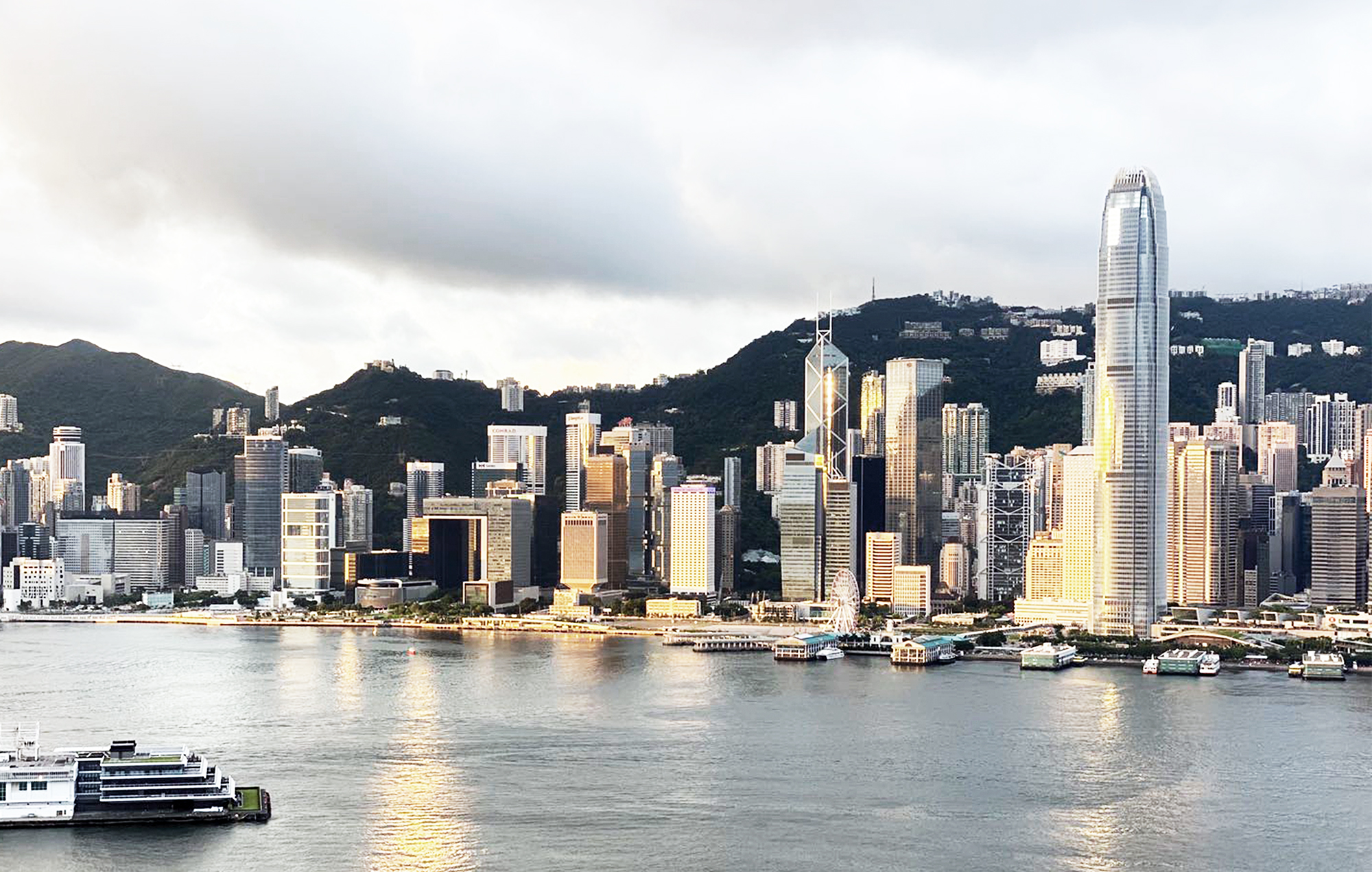 Angle06-Victoria Harbour view