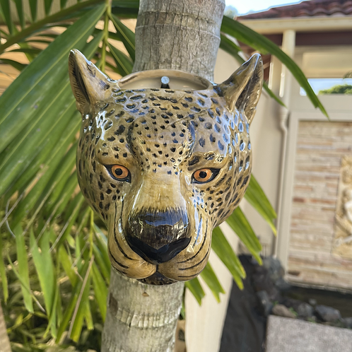 Wall hung ceramic cheetah vase