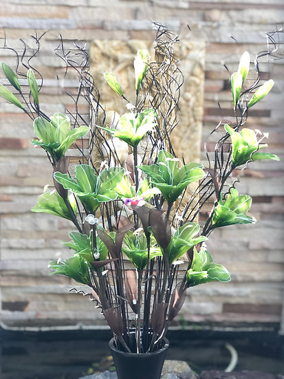 Low voltage flower light arrangement LBgreen
