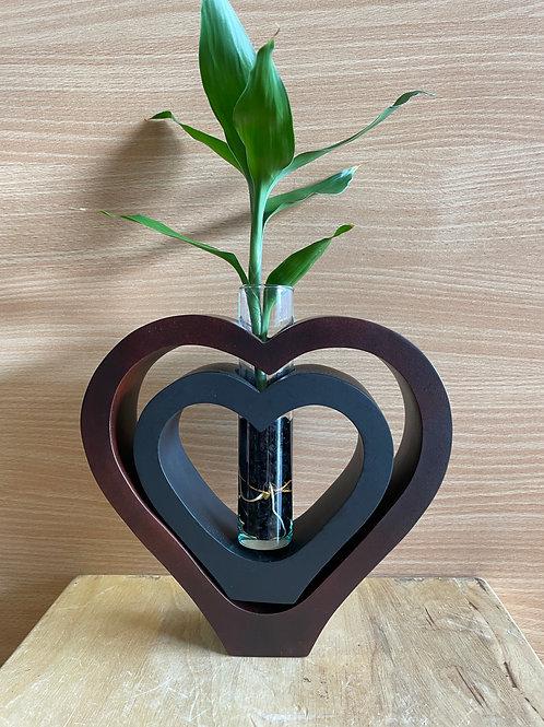 Mango wood vase DBL heart Brown black