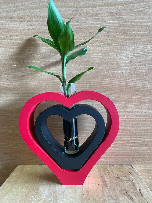 Mango wood vase DBL heart Red black