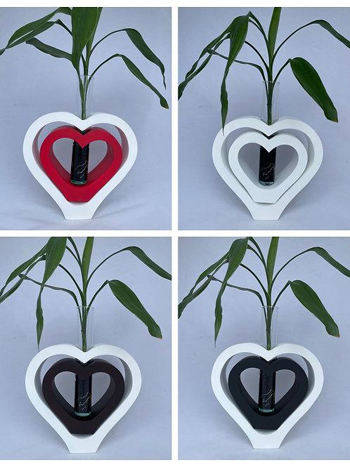 Mango wood vase dbl heart Wh