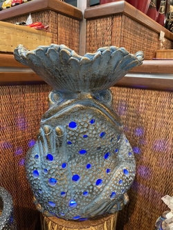 Terracotta frog ornament with leaf top blue