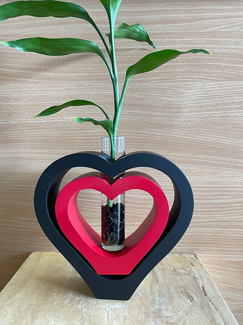 Mango wood vase DBL heart Black red