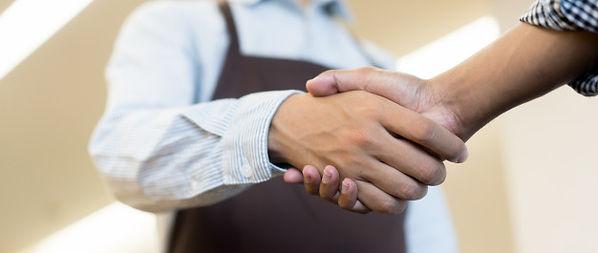 businessman-handshake-with-partner-ceo-l