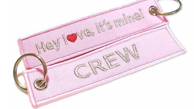 ピンク CREW タグ アクセサリー