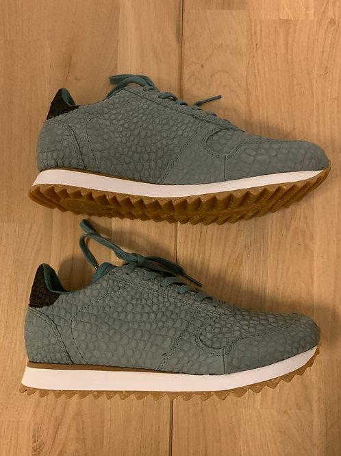 0404 Zeegroene croco sneaker Woden