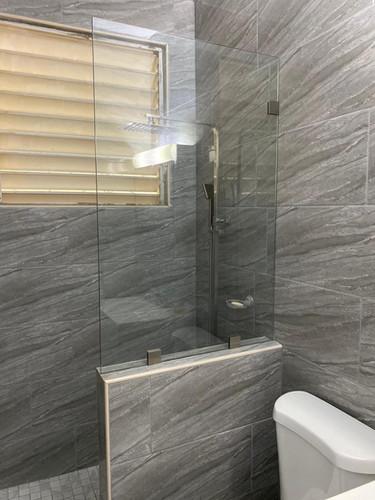 Shower Enclouseres