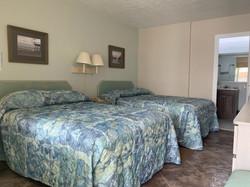 A unit bedroom 4