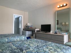 A unit bedroom 5