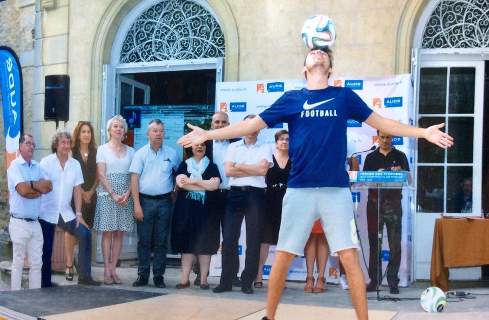 Corentin show freestyle football