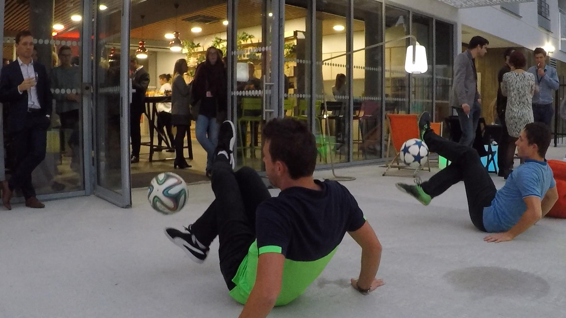 Corentin_Baron_Show_Football_Freestyle_à_Angers_avec_une_animation_pour_une_soirée_entreprise_das_le