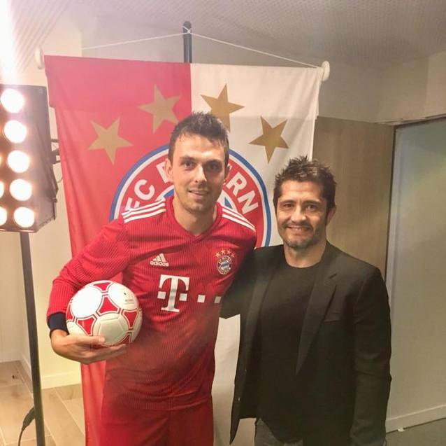 Corentin Baron et Bixente Lizarazu, ancien joueur du Bayern Munich et champion du Monde 98