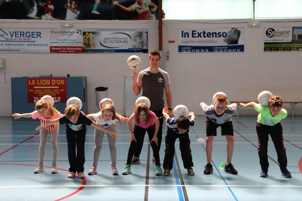 Angers freestyle football initaition cours leçon apprendre gestes techniques show démonstration spec