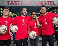 Show Football freestyle pour Heineken et Amstel  avec l'équipe Trick Me. Animation pour un évènement entreprise lors de la finale de l'UEFA Europa League à Lyon. Show, défis, concours de jongle avec des champions du jonglage et freestyler professionnel avec le ballon.