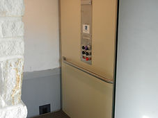 Elevator goes to 3 floors