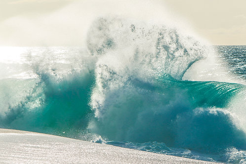 Northshore shorebreak madness