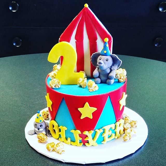 Circus birthday #cakesofinstagram #bigto
