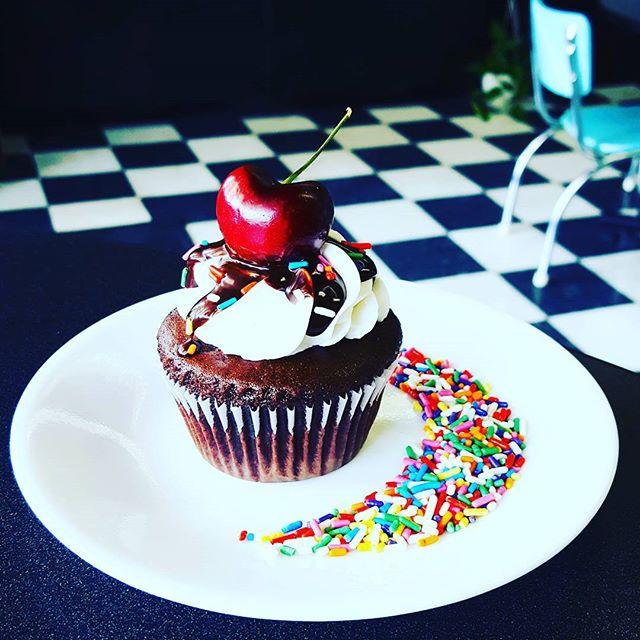 Ch-ch-ch-Cherry Bomb! Chocolate Sundae c