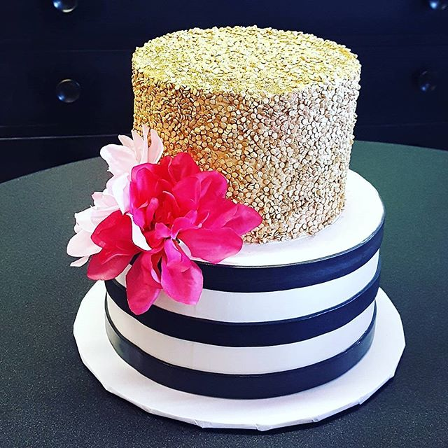 Edible sequins and stripes! #bridalshowe