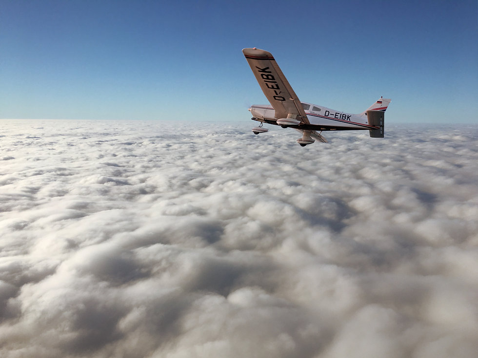 Pa28-on-Top-of-clouds.jpg