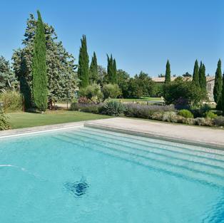 La piscine au Mas d'Esquirolly