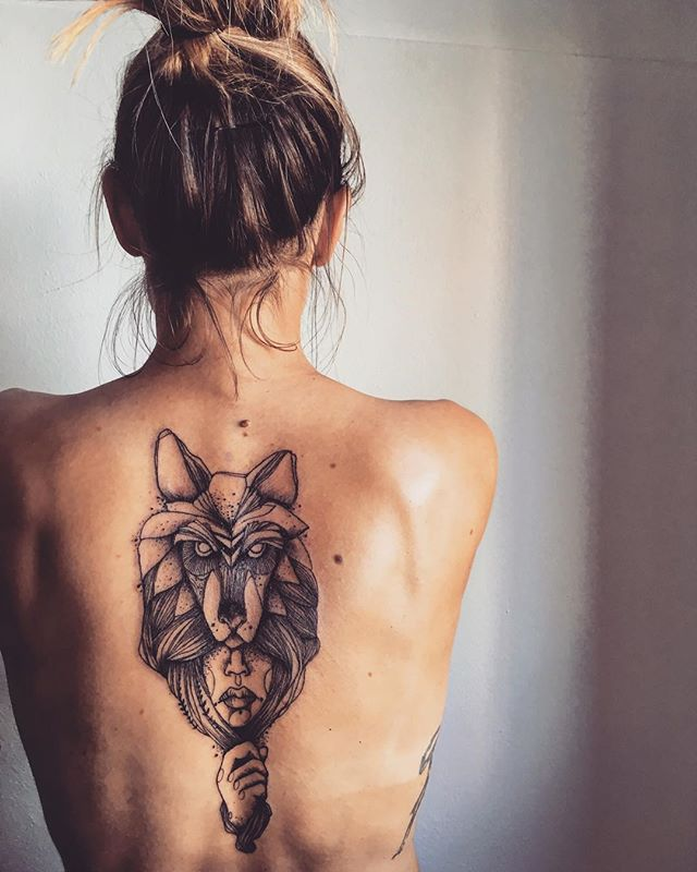 #tattoo #tattooart #tatooed #blacktattoo #wolf #wolftattoo #ink #inked #illustration #woman #face #❤