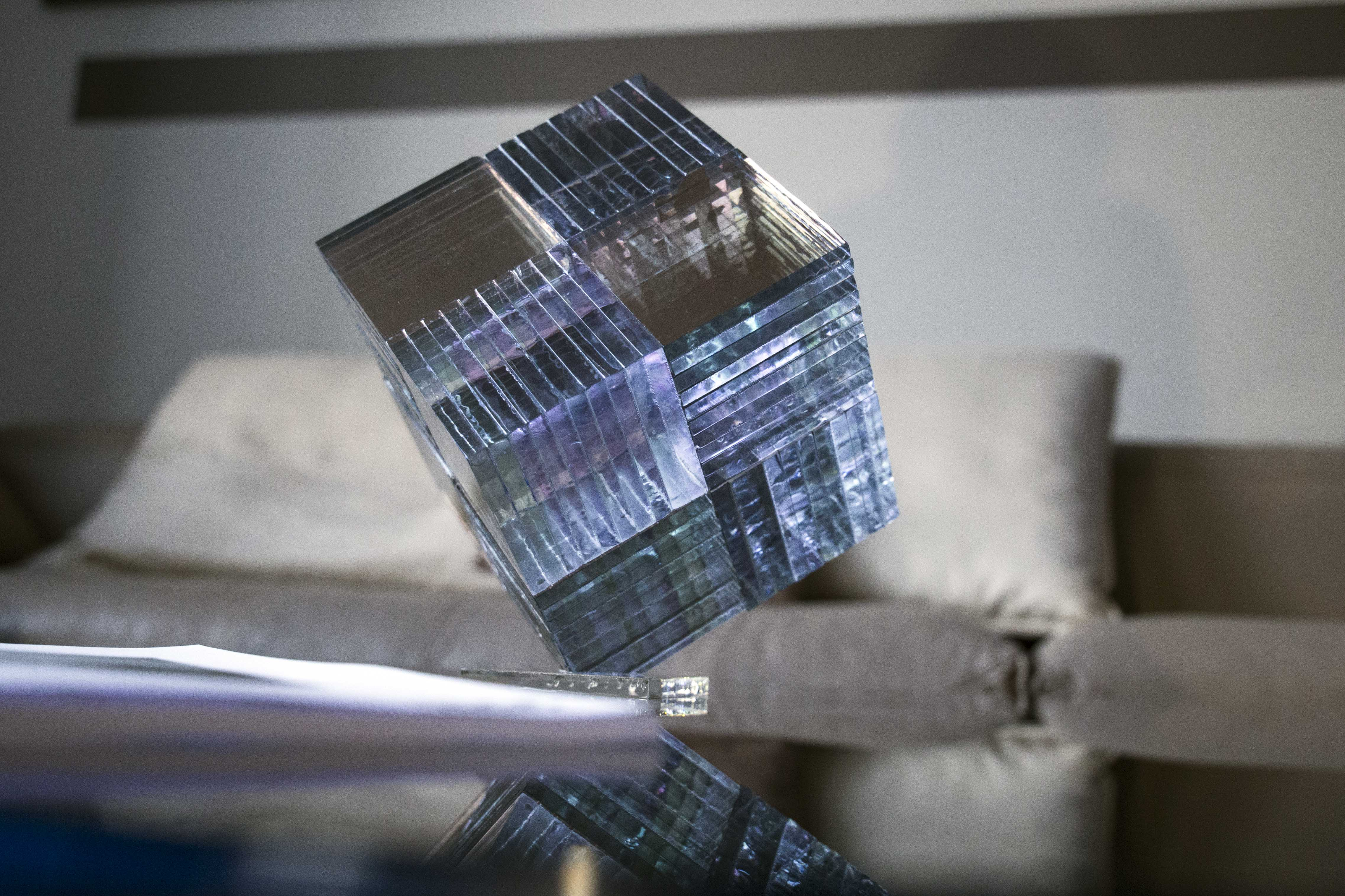 Certus Libra glass cube_ErnestVitin
