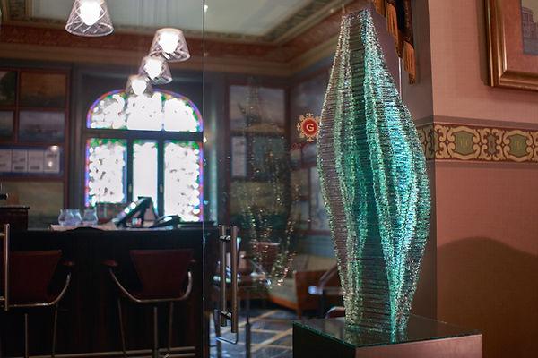 Stakced glass sculpture Caleo in Art Nov