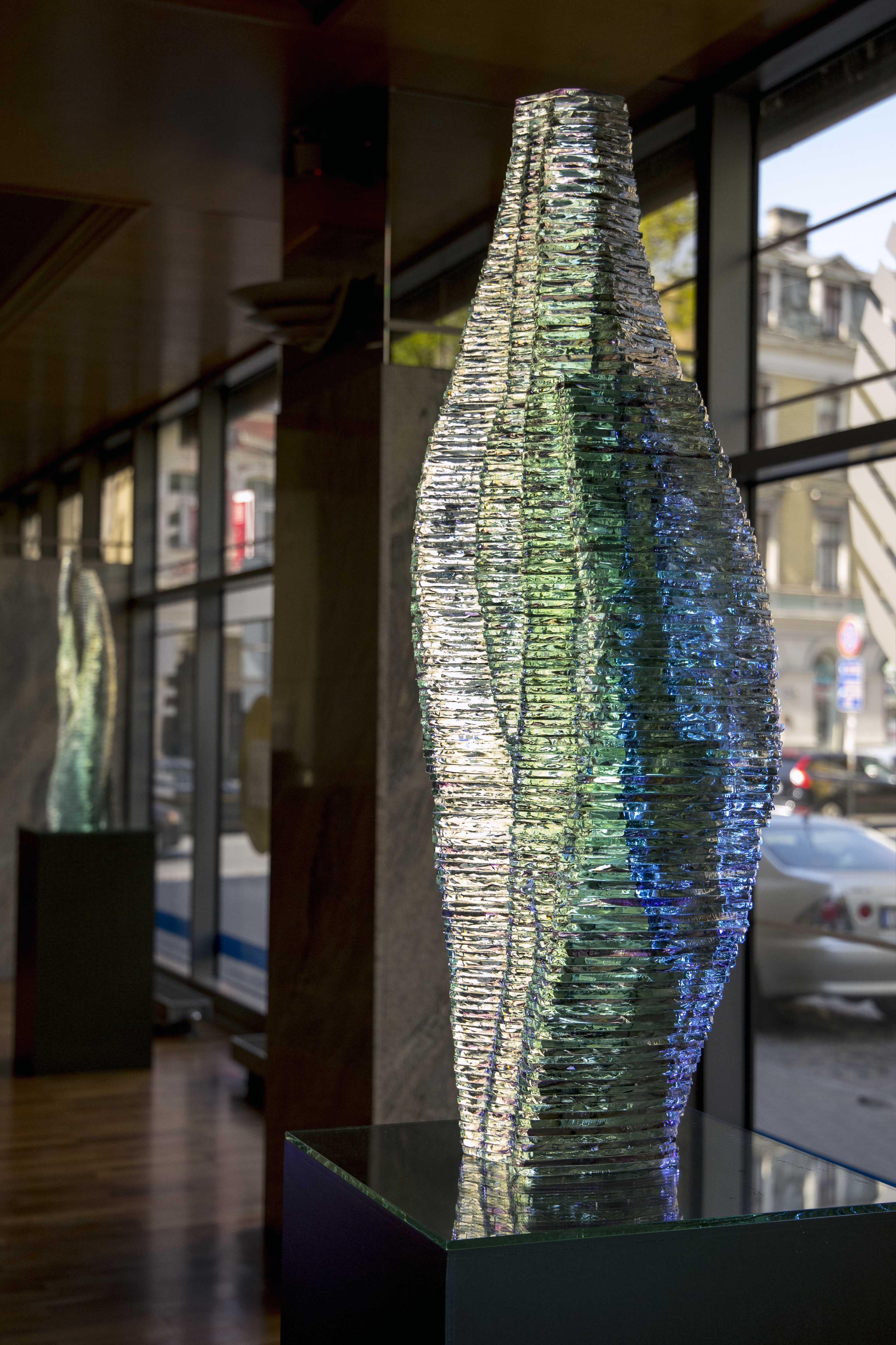 Layered Glass sculpture Caleo_www.Ernestvitin