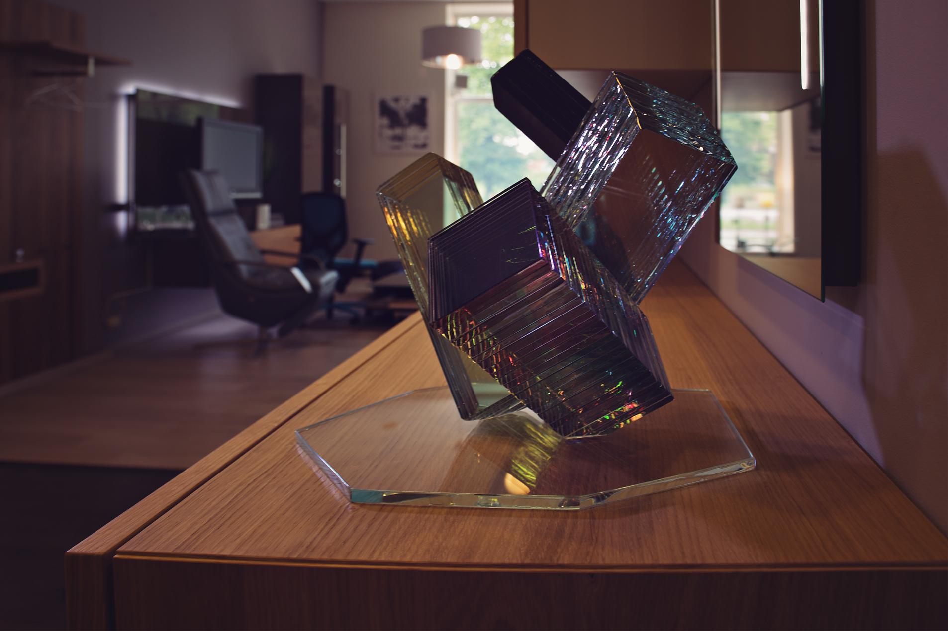 mēbeļu salons ambergs _stikla skulptūra