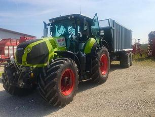 Claas Traktor.jpg