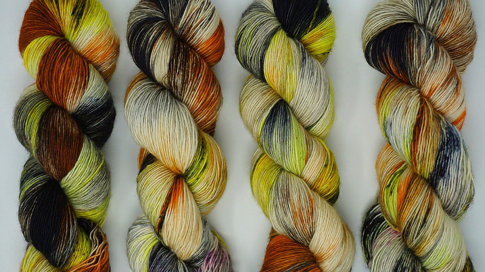 """Darktownsally"" fingering/ single ply/ 100% Superwash Merino"