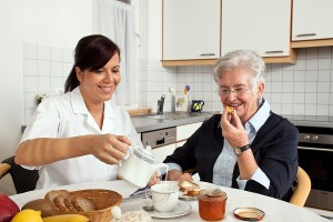 Why Choose In-Home Care Over a Nursing Home