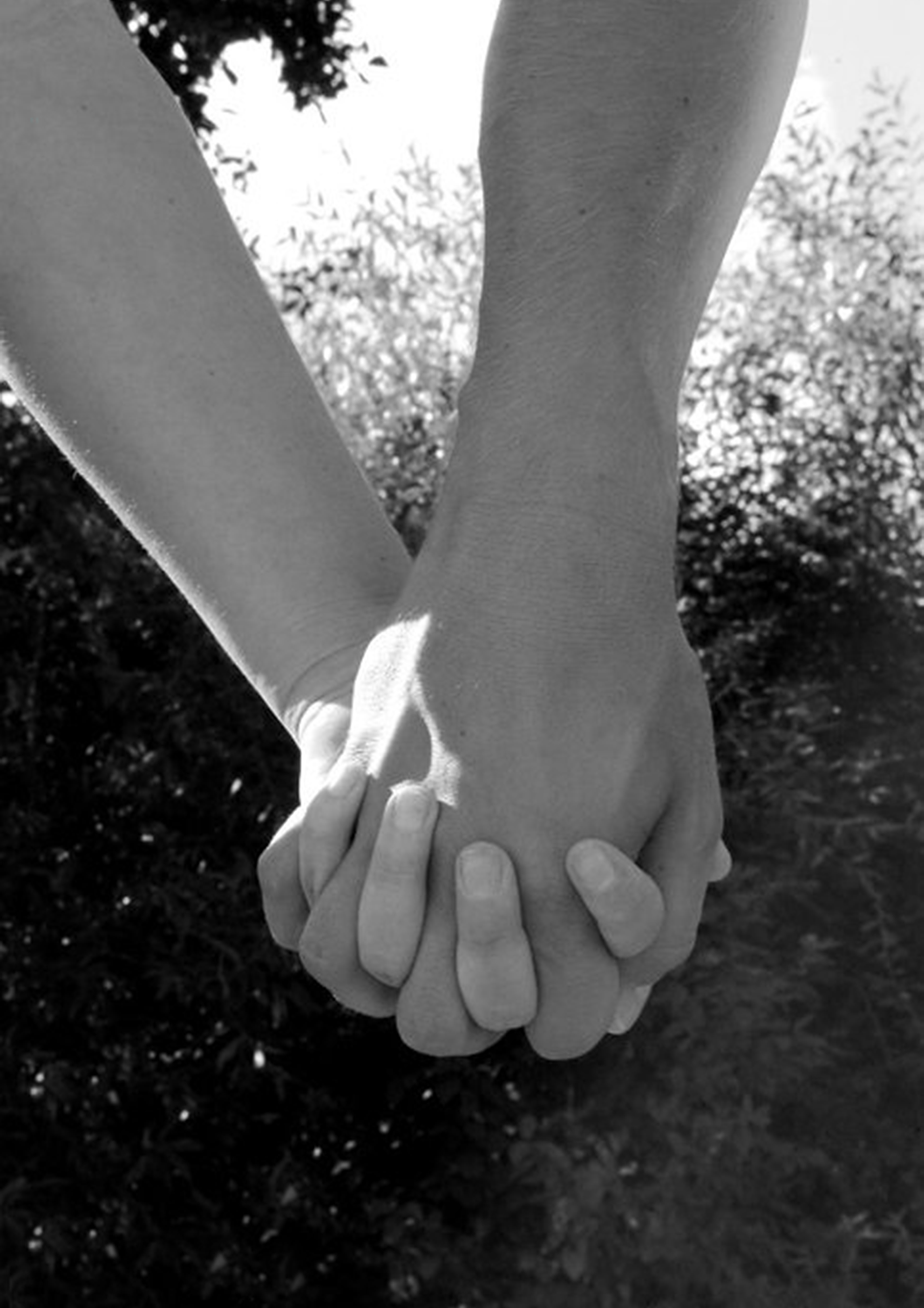 Hold-hands-G